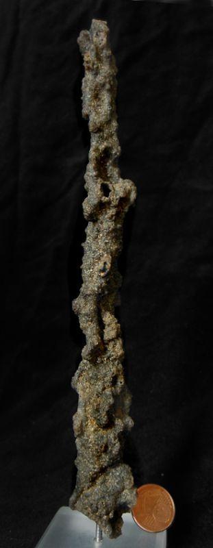 GRANDE FULGURITE (sable vitrifié par la foudre)